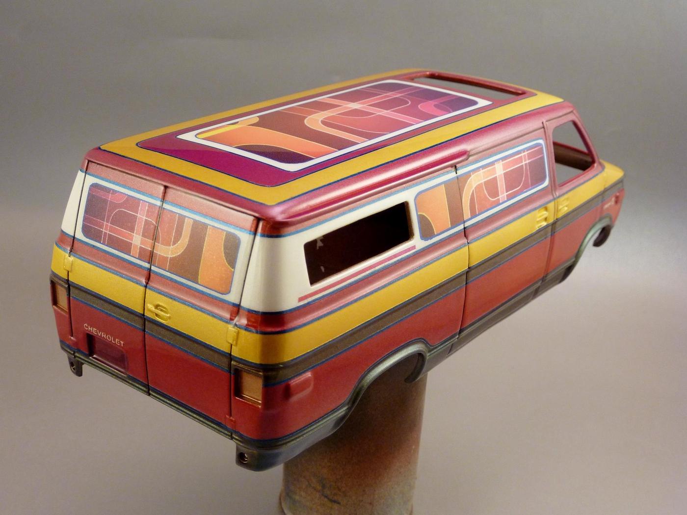 Van Chevy 75 (Vantasy) terminé - Page 4 Photo3-vi