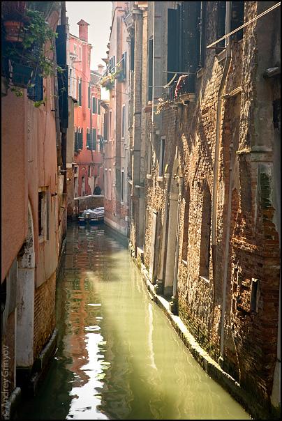http://images43.fotki.com/v1369/photos/8/880231/6909707/Venice023-vi.jpg