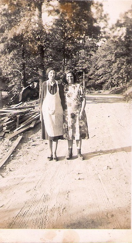 194-Great-Grandma Rebecca Yancey and Laura Yancey