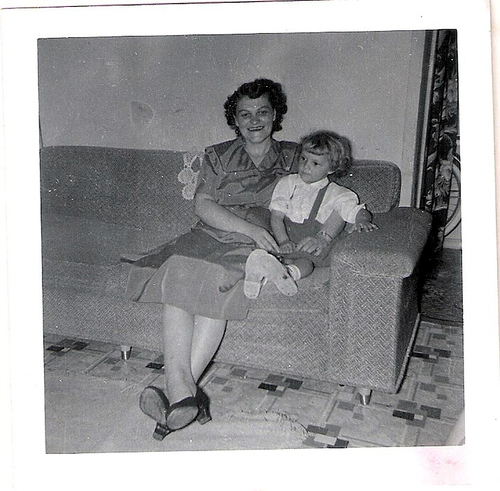 24-Mamaw Aree and Mom