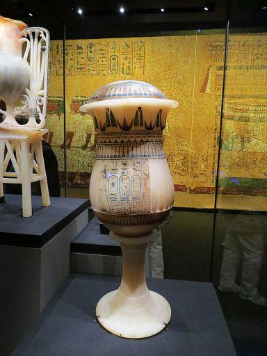 Calcite Unguent Vase Papyrus & Lotus1