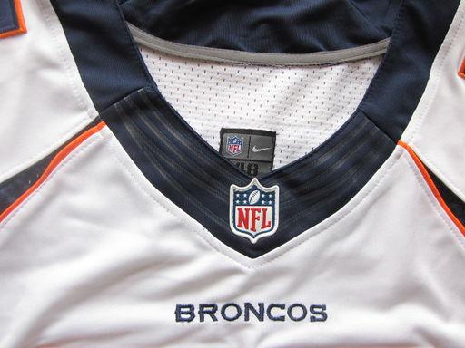 A-Broncos55-White03
