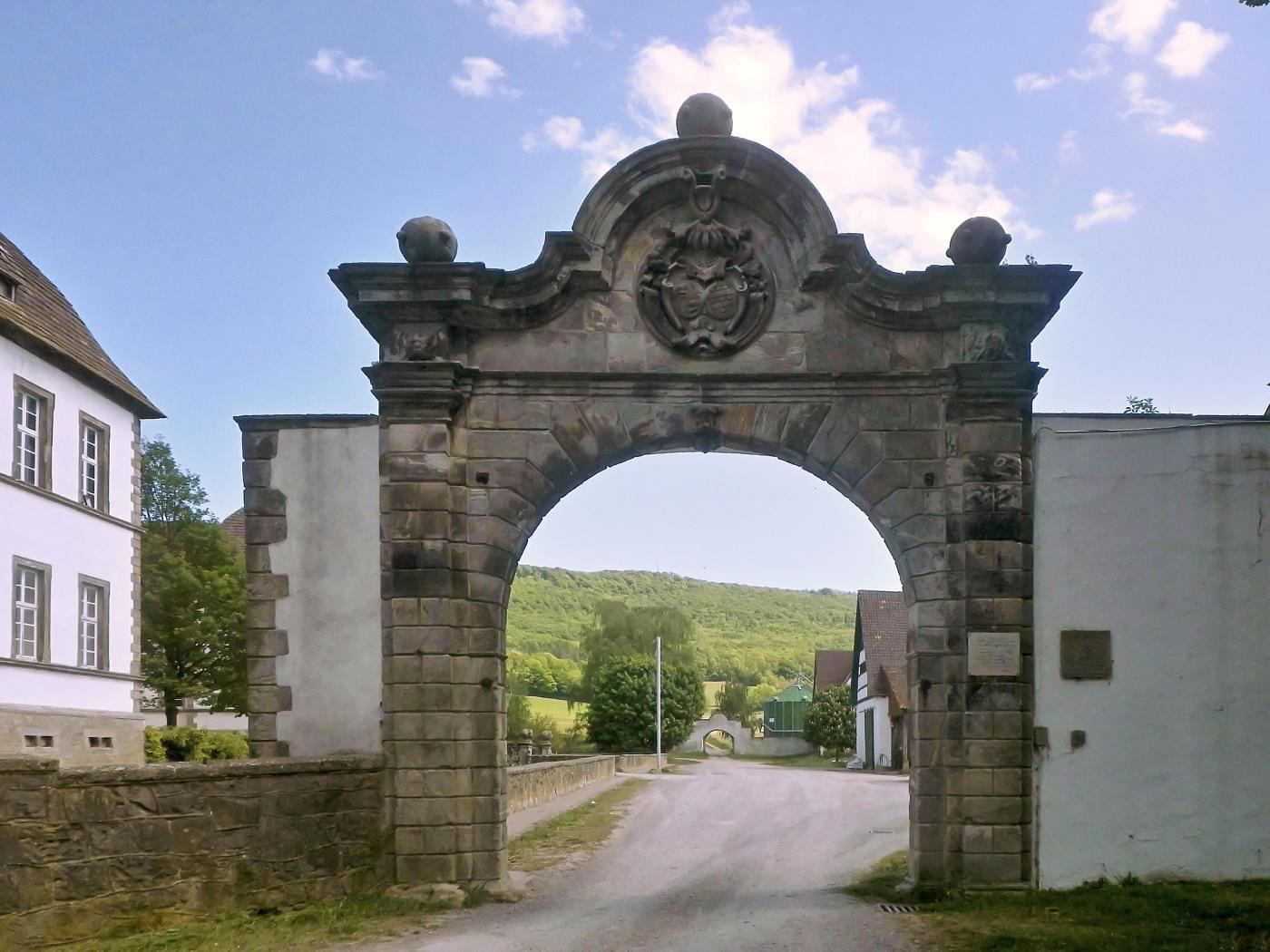 Westtor Schloss Bisperode