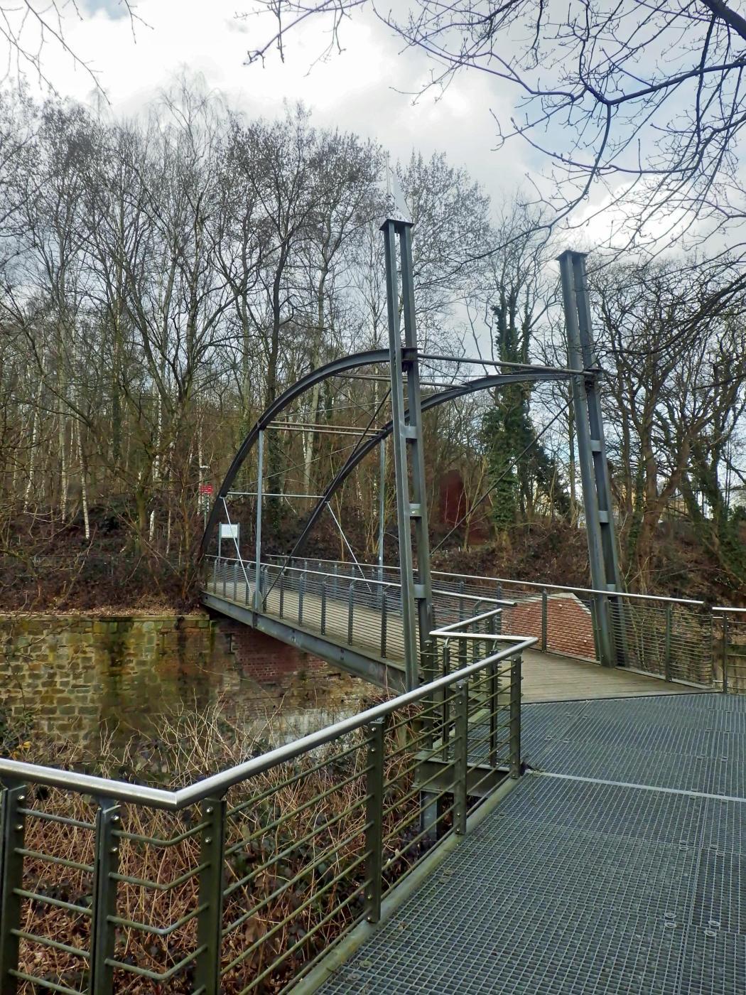 Rad- und Fußwegbrücke